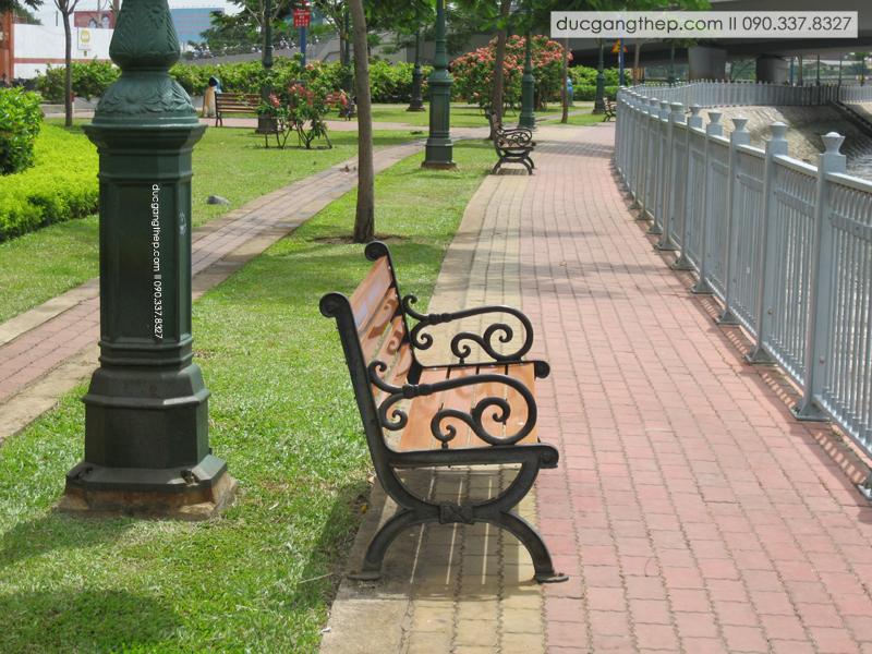 Ghế công viên bằng gang đúc giá cả cạnh tranh (1)